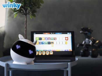 Le robot éducatif Made In France Winky arrive à Noël !